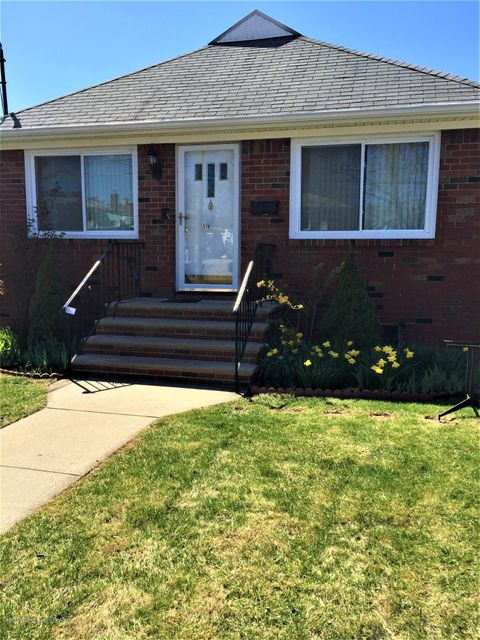 Single Family - Detached in Westerleigh - 376 Crystal Avenue  Staten Island, NY 10314