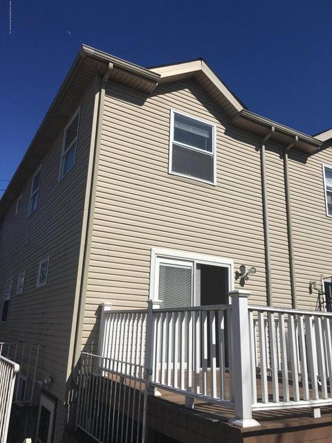 Single Family - Semi-Attached 174 Holland Avenue  Staten Island, NY 10303, MLS-1115920-19