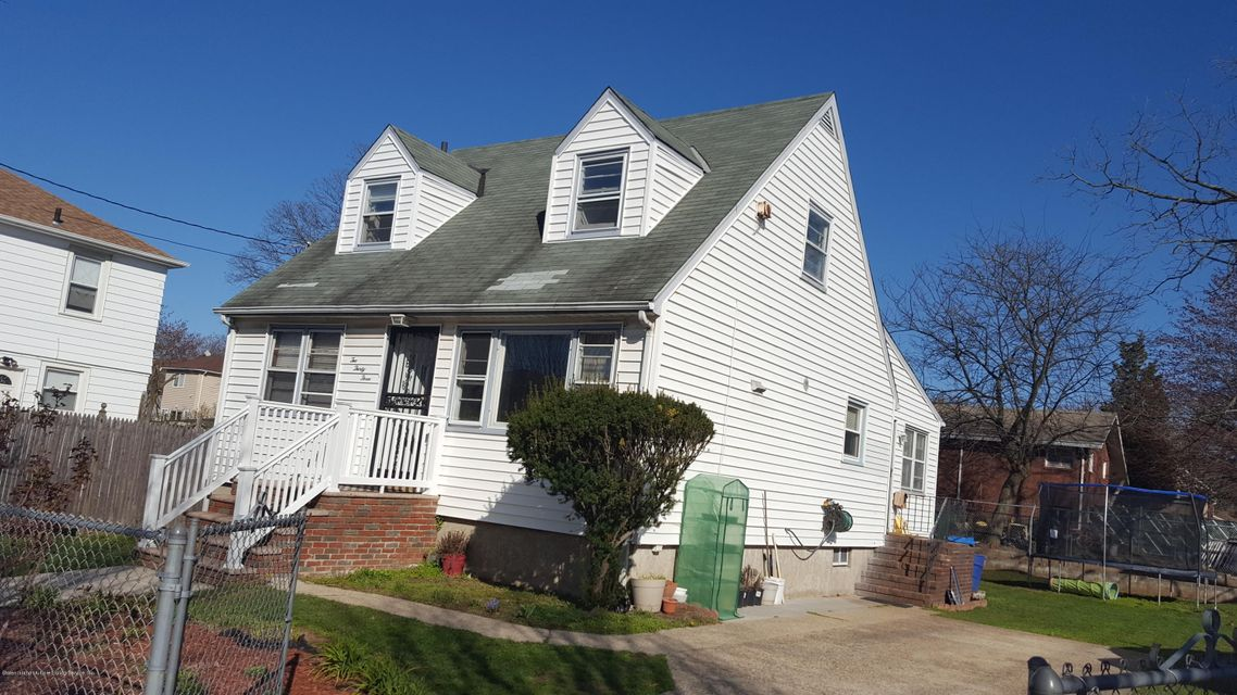 Single Family - Detached in Concord - 233 Oder Avenue  Staten Island, NY 10304