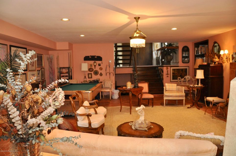Single Family - Detached 364 Green Valley Road  Staten Island, NY 10312, MLS-1118323-4