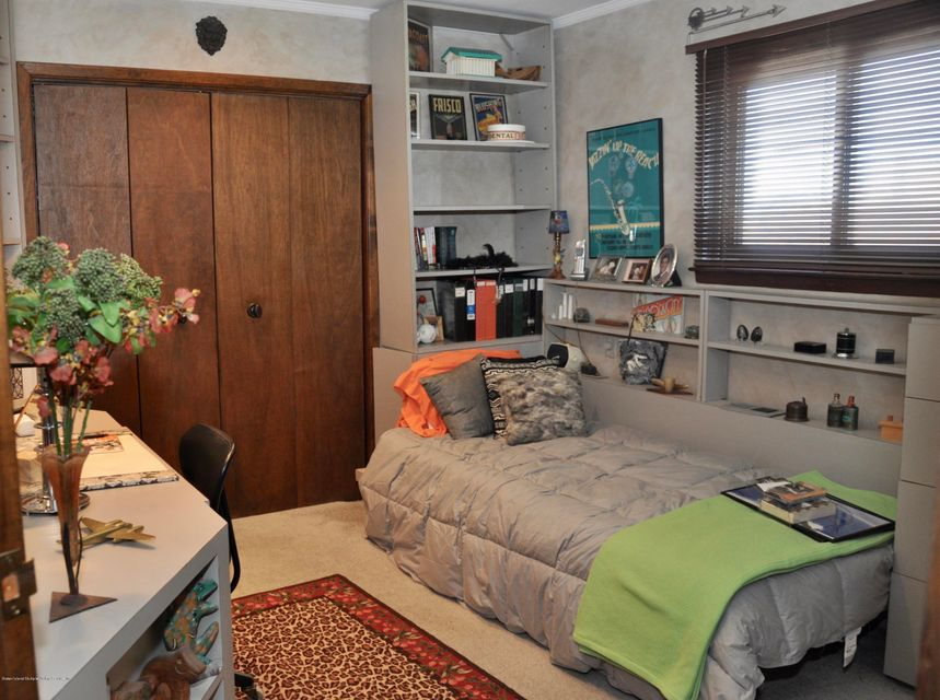 Single Family - Detached 364 Green Valley Road  Staten Island, NY 10312, MLS-1118323-16
