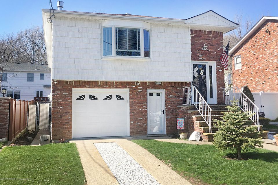 Single Family - Detached in S.E. Annadale - 139 Tallman Street  Staten Island, NY 10312