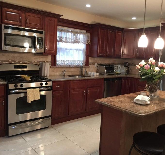 Single Family - Semi-Attached 204 Stobe Avenue  Staten Island, NY 10306, MLS-1118698-5