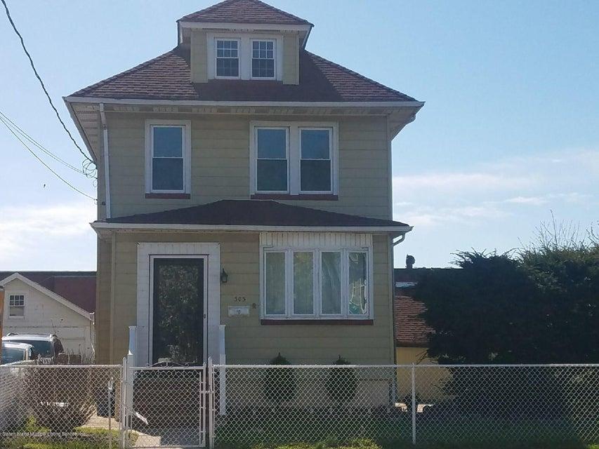 Single Family - Detached in Port Richmond - 303 Decker Avenue  Staten Island, NY 10302
