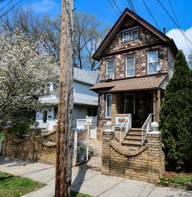 Single Family - Detached 19 Westbrook Avenue  Staten Island, NY 10303, MLS-1117290-2