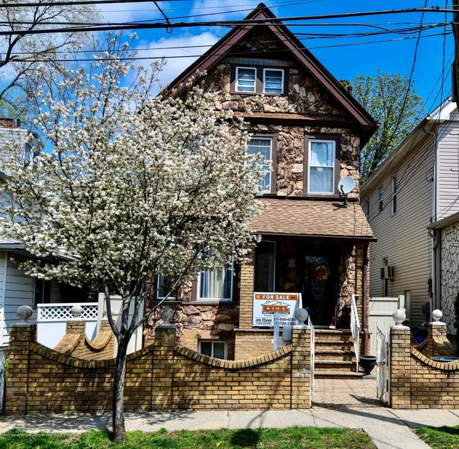 Single Family - Detached in Elm Park - 19 Westbrook Avenue  Staten Island, NY 10303
