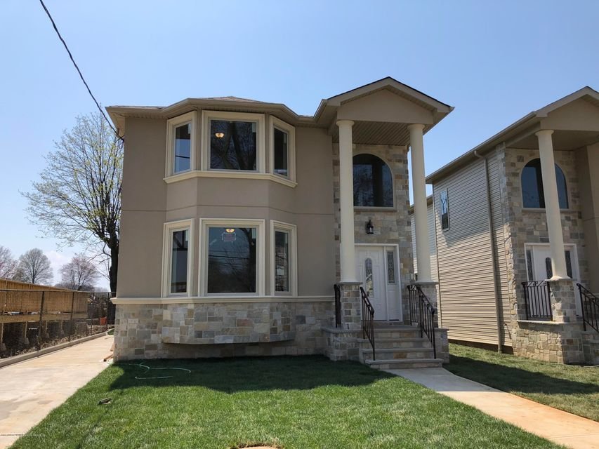 Single Family - Detached in Richmond Town - 394 Clarke Avenue  Staten Island, NY 10306