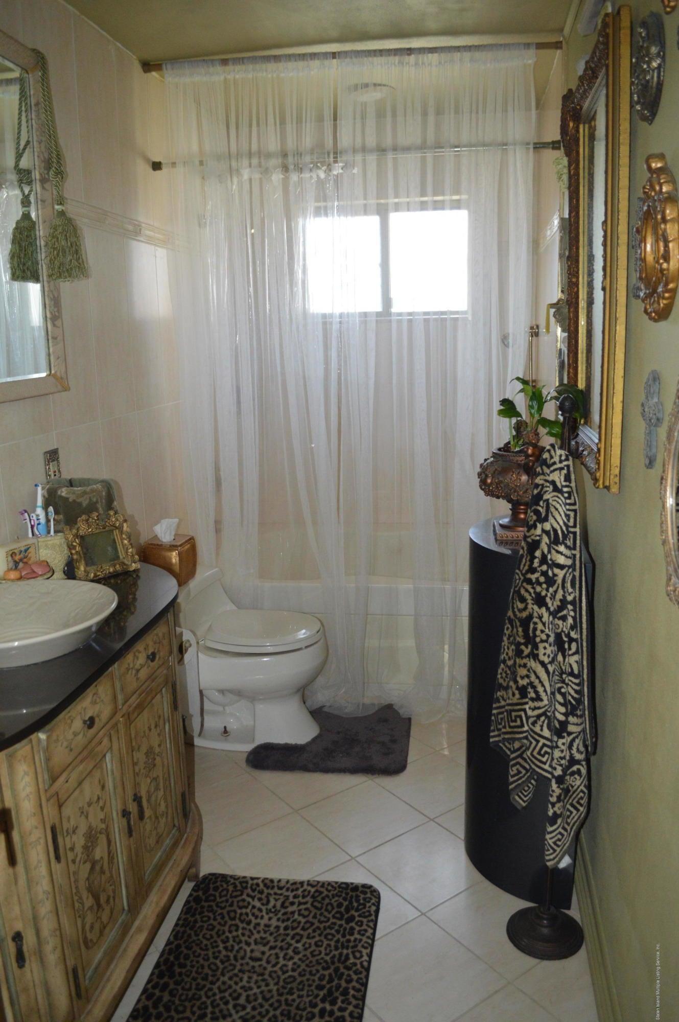 Single Family - Detached 525 Sycamore Street  Staten Island, NY 10312, MLS-1118843-26