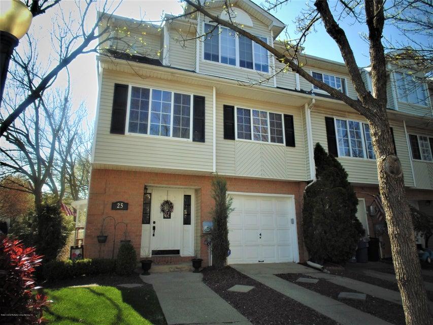 Two Family - Semi-Attached in Charleston - 25 White Oak Lane  Staten Island, NY 10309