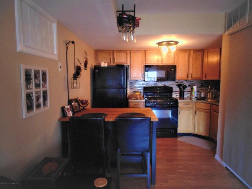 Two Family - Semi-Attached 25 White Oak Lane  Staten Island, NY 10309, MLS-1118923-20
