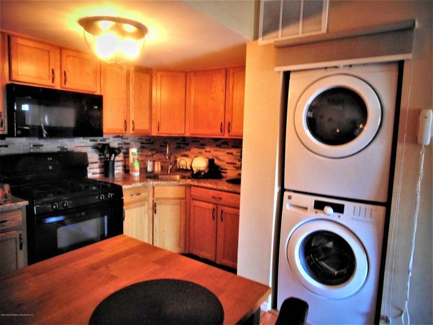 Two Family - Semi-Attached 25 White Oak Lane  Staten Island, NY 10309, MLS-1118923-21