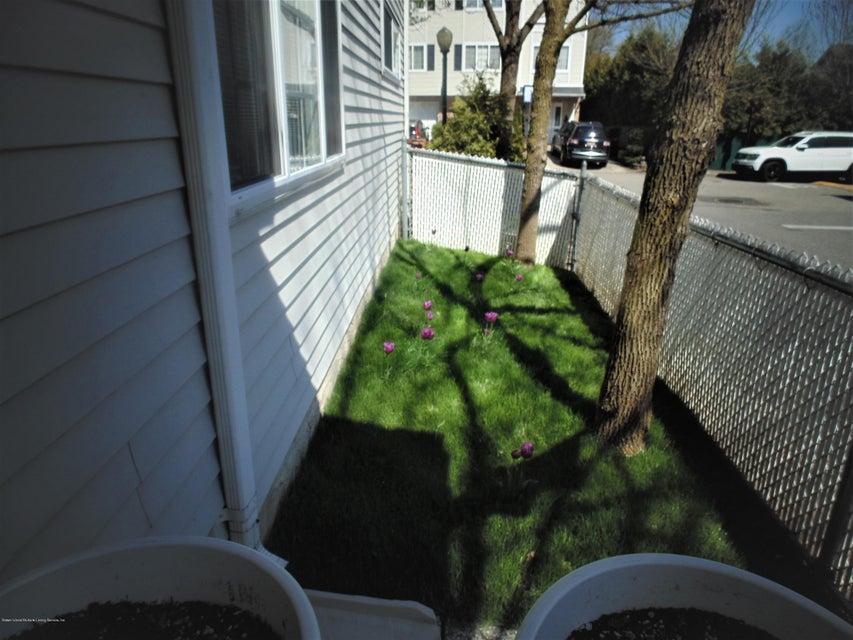 Two Family - Semi-Attached 25 White Oak Lane  Staten Island, NY 10309, MLS-1118923-24