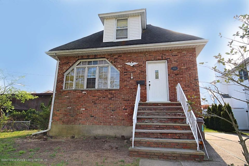 Single Family - Detached in Tottenville - 474 Sleight Avenue  Staten Island, NY 10307