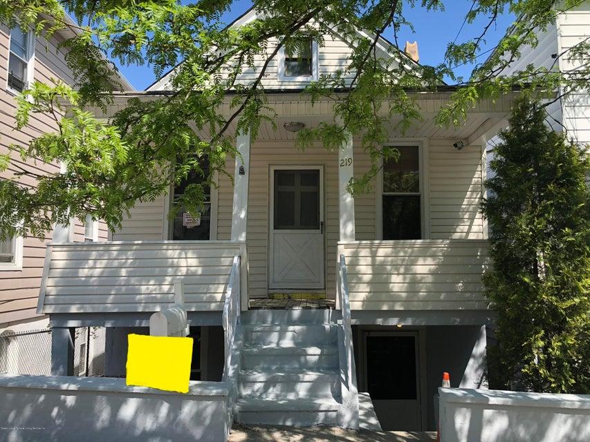 Single Family - Detached in Rosebank - 219 Chestnut Avenue  Staten Island, NY 10305