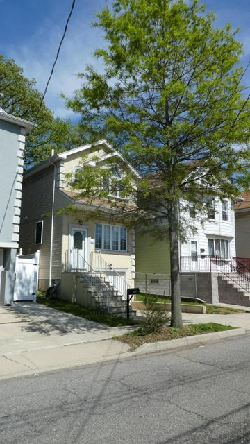 Single Family - Detached 25 Summer Street  Staten Island, NY 10305, MLS-1119191-2