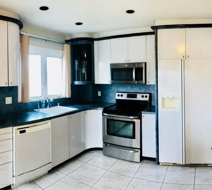 Two Family - Semi-Attached 18 Wilbur Street  Staten Island, NY 10309, MLS-1119111-4