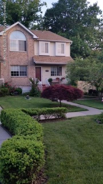 Condo in Willowbrook - 20 Dreyer Avenue B  Staten Island, NY 10314