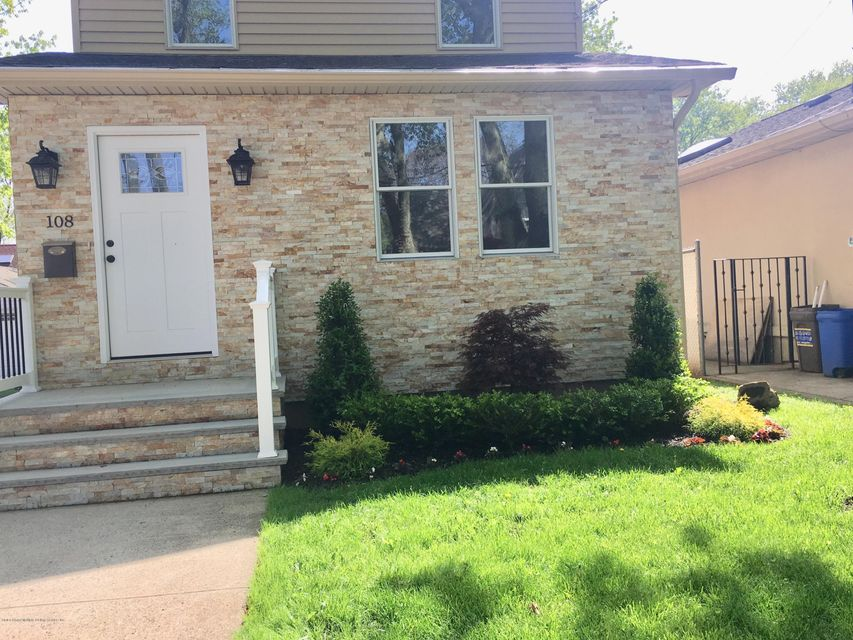 Single Family - Detached 108 Coddington Avenue  Staten Island, NY 10306, MLS-1119330-4
