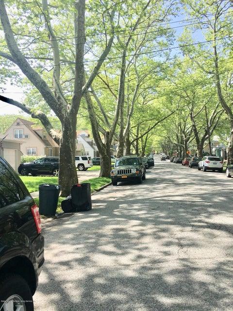 Single Family - Detached 108 Coddington Avenue  Staten Island, NY 10306, MLS-1119330-21