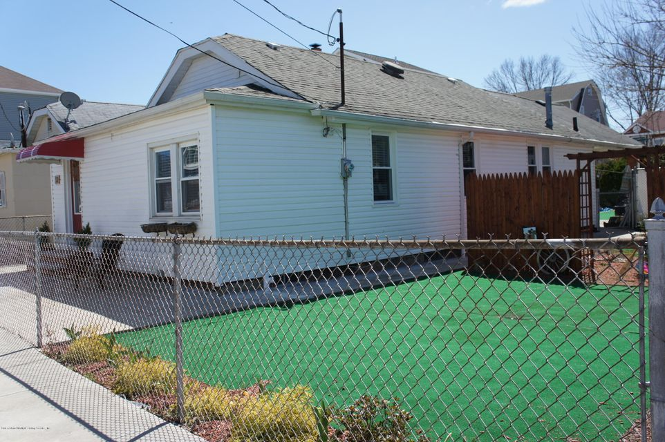 Single Family - Detached in New Dorp - 12 Milbank Road  Staten Island, NY 10306