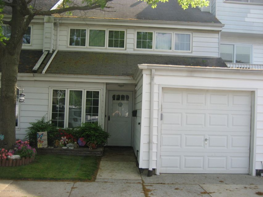 Single Family - Attached in Arden Heights - 131 Dover Green  Staten Island, NY 10312
