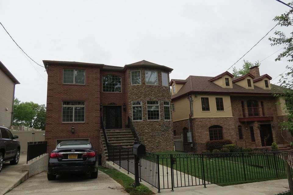 Single Family - Detached 135 Oak Avenue  Staten Island, NY 10306, MLS-1119389-2