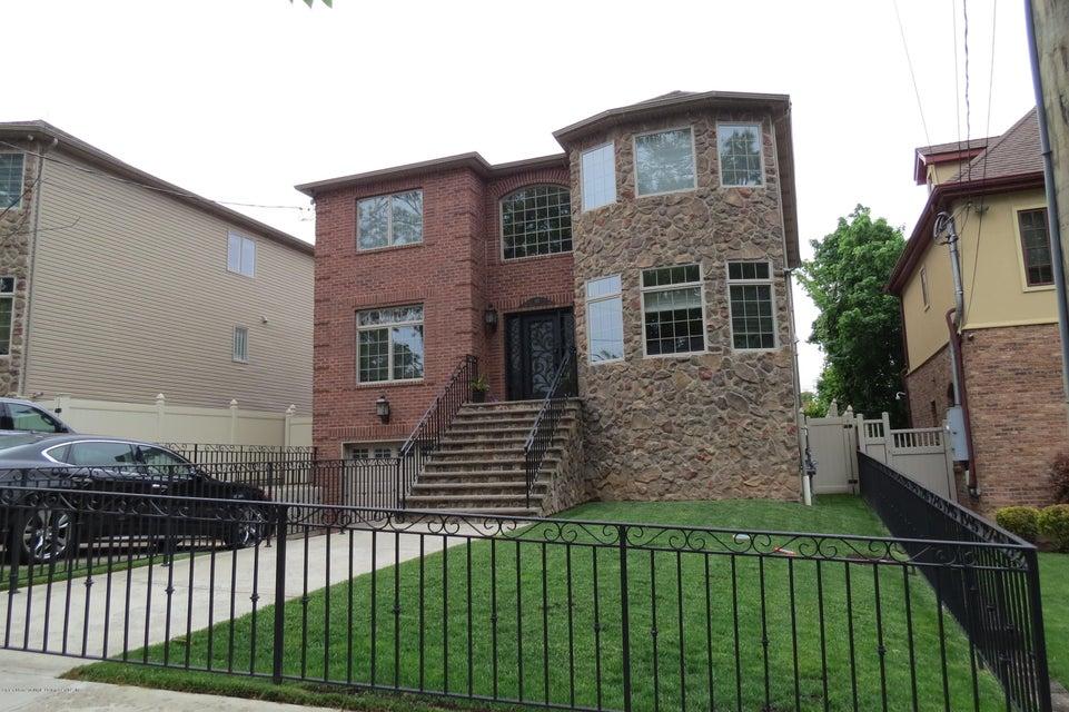 Single Family - Detached 135 Oak Avenue  Staten Island, NY 10306, MLS-1119389-3