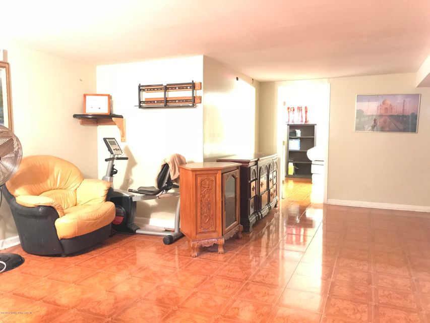 Single Family - Detached 17 Witteman Place  Staten Island, NY 10301, MLS-1119727-10