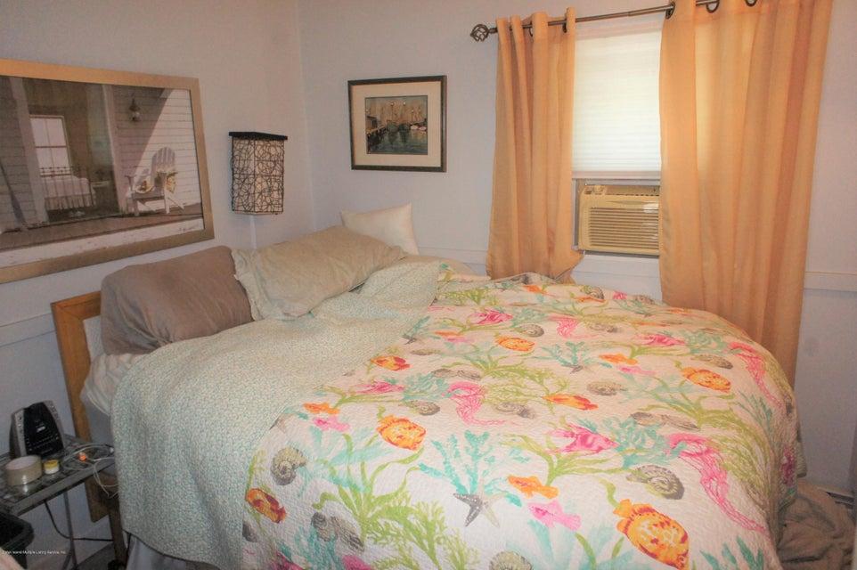 Single Family - Detached 19 Midland Avenue  Staten Island, NY 10306, MLS-1119720-16