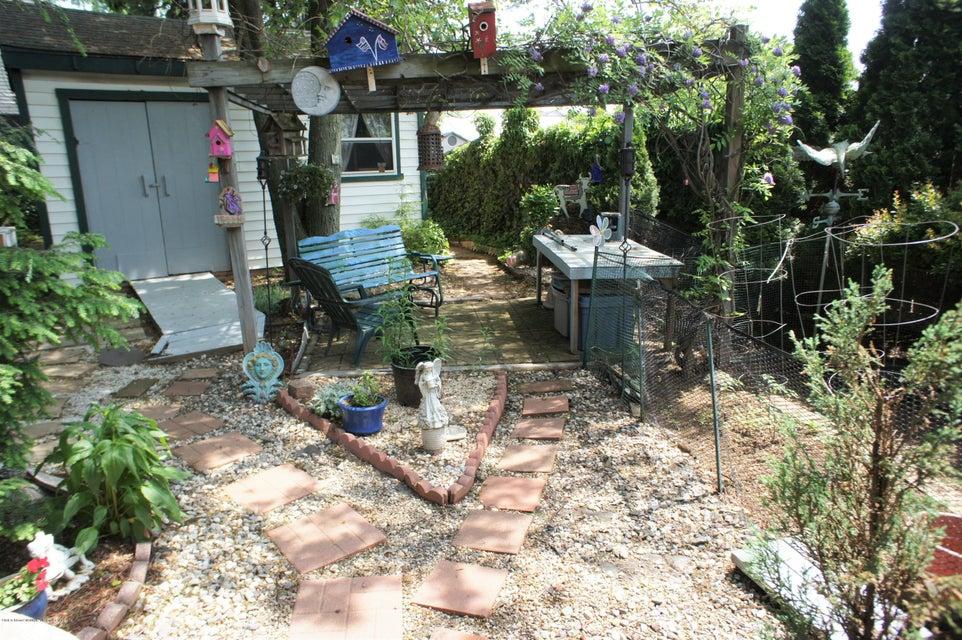 Single Family - Detached 19 Midland Avenue  Staten Island, NY 10306, MLS-1119720-28