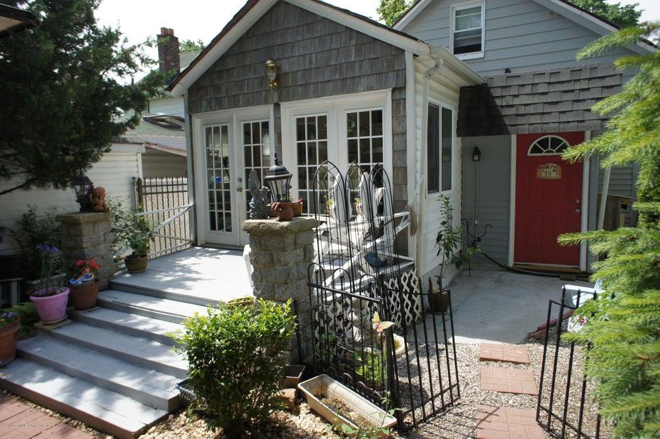 Single Family - Detached 19 Midland Avenue  Staten Island, NY 10306, MLS-1119720-25