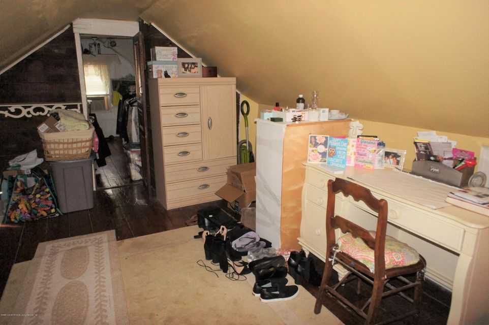 Single Family - Detached 19 Midland Avenue  Staten Island, NY 10306, MLS-1119720-19