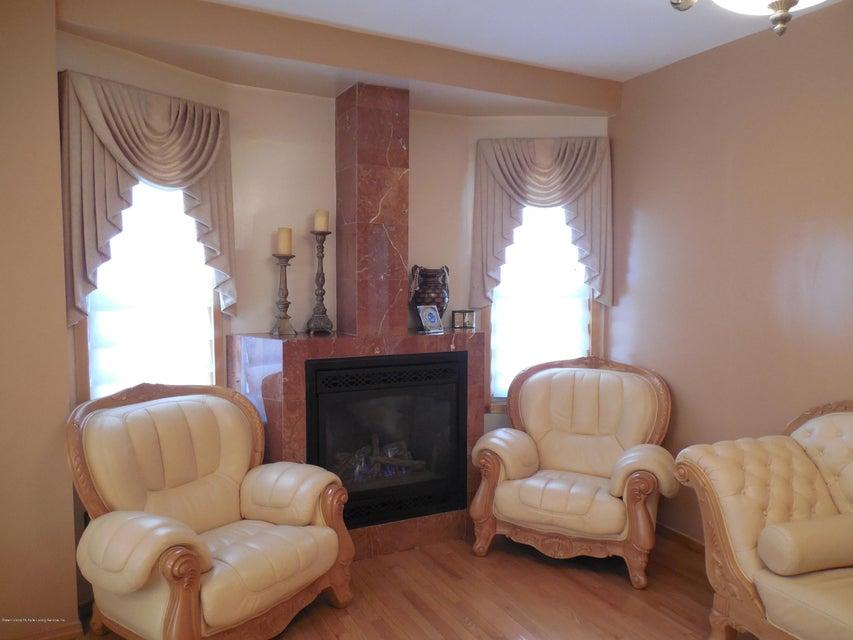 Single Family - Detached 171 Mountainview Avenue  Staten Island, NY 10314, MLS-1119742-5