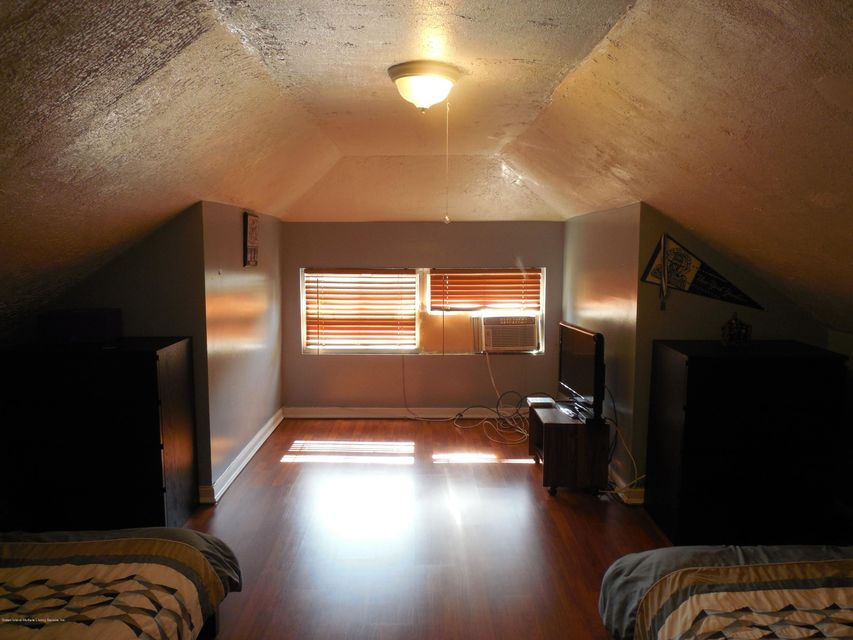 Single Family - Detached 171 Mountainview Avenue  Staten Island, NY 10314, MLS-1119742-19