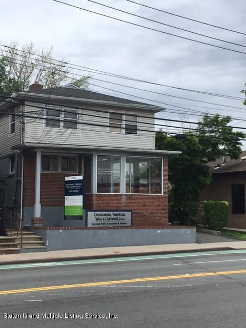 Commercial in Sunnyside - 1303 Clove Road  Staten Island, NY 10301