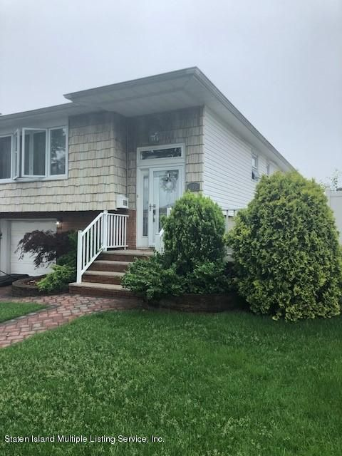 Single Family - Detached in Huguenot - 655 Rathbun Avenue  Staten Island, NY 10312