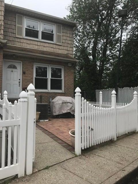 Condo in Mariners Harbor - 3348 Richmond Terrace  Staten Island, NY 10303