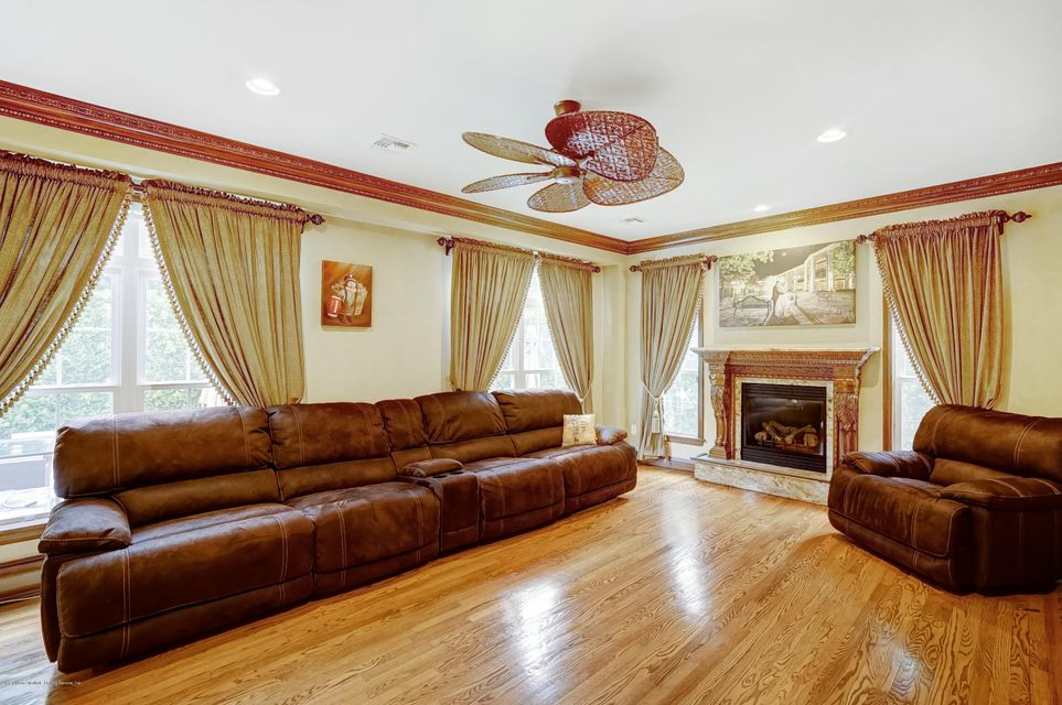 Single Family - Detached 19 Belwood Loop  Staten Island, NY 10307, MLS-1119906-14