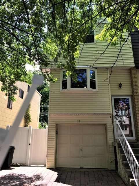Single Family - Attached in Huguenot - 14 Russek Drive  Staten Island, NY 10312