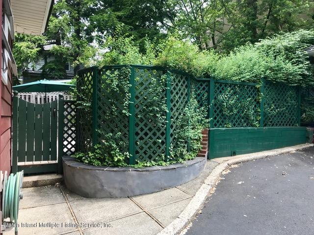 Single Family - Detached 64 Gregg Place  Staten Island, NY 10310, MLS-1119932-25