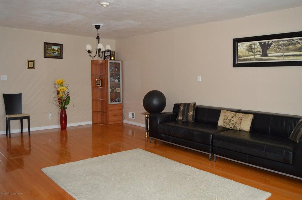 Condo 540 Dongan Hills Avenue  Staten Island, NY 10305, MLS-1119902-21