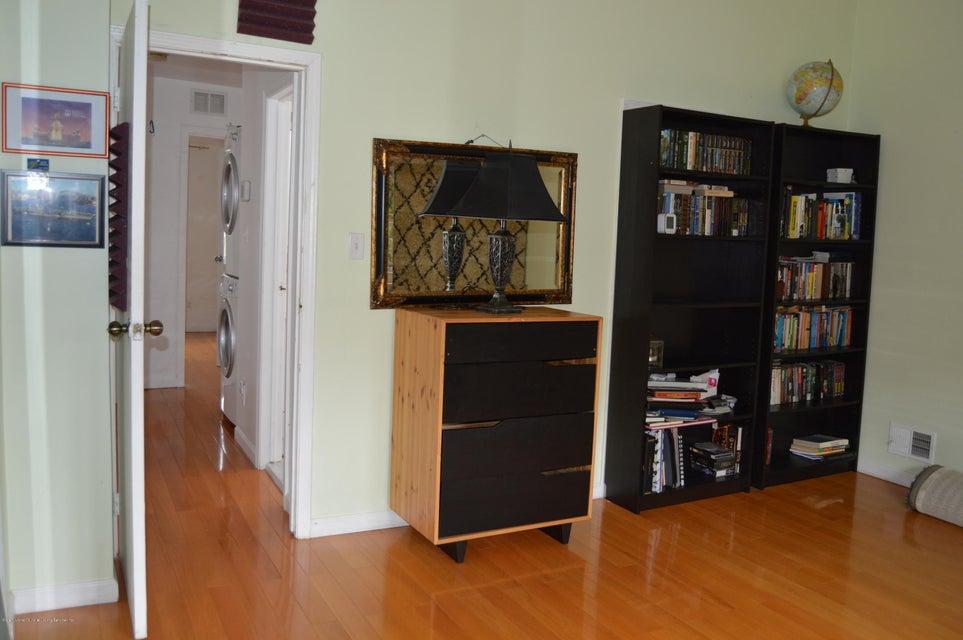 Condo 540 Dongan Hills Avenue  Staten Island, NY 10305, MLS-1119902-35