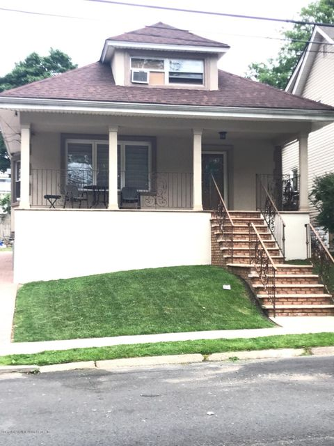 Single Family - Detached in Manor Heights - 171 Mountainview Avenue  Staten Island, NY 10314