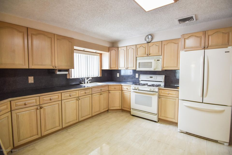 Two Family - Detached 46 Plymouth Road  Staten Island, NY 10314, MLS-1120005-14