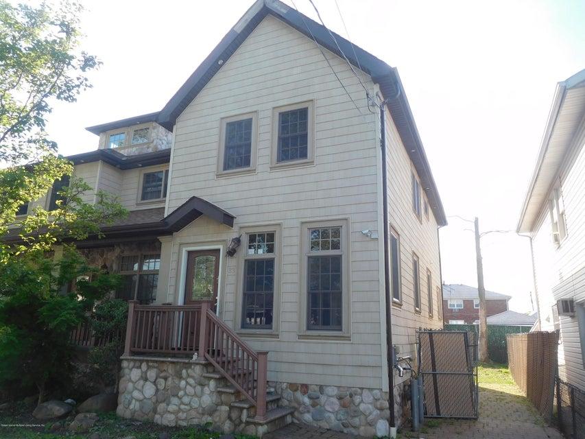 Single Family - Semi-Attached in Midland Beach - 33 Milton Avenue  Staten Island, NY 10306