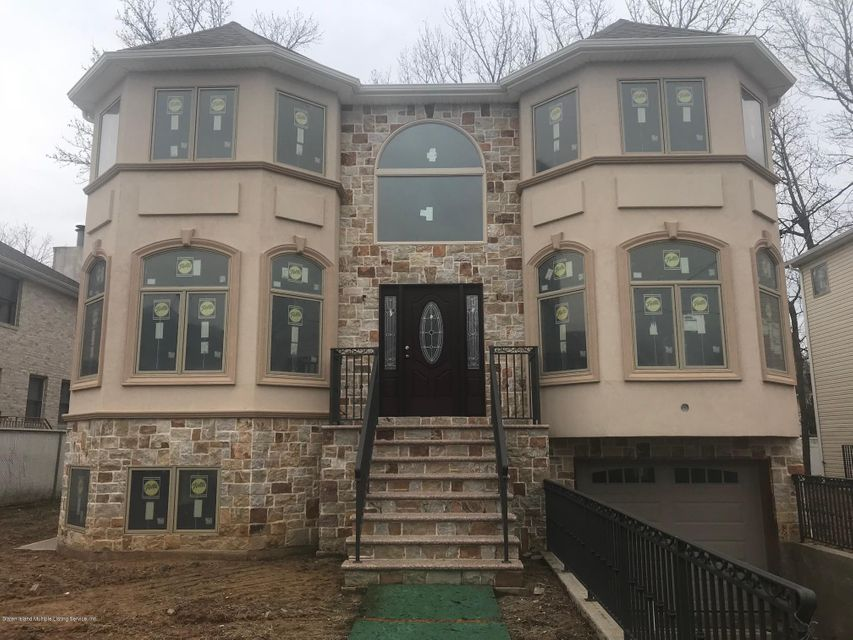 Single Family - Detached in Tottenville - 101 Bedell Avenue  Staten Island, NY 10309