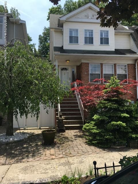 Single Family - Attached in Annadale - 28 Notus Avenue  Staten Island, NY 10312