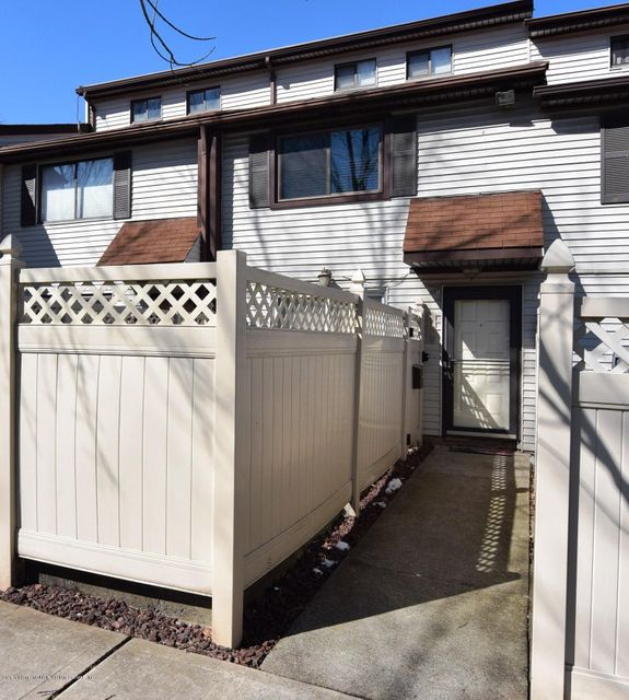 Single Family - Attached in Huguenot - 19a Lombard Court  Staten Island, NY 10312