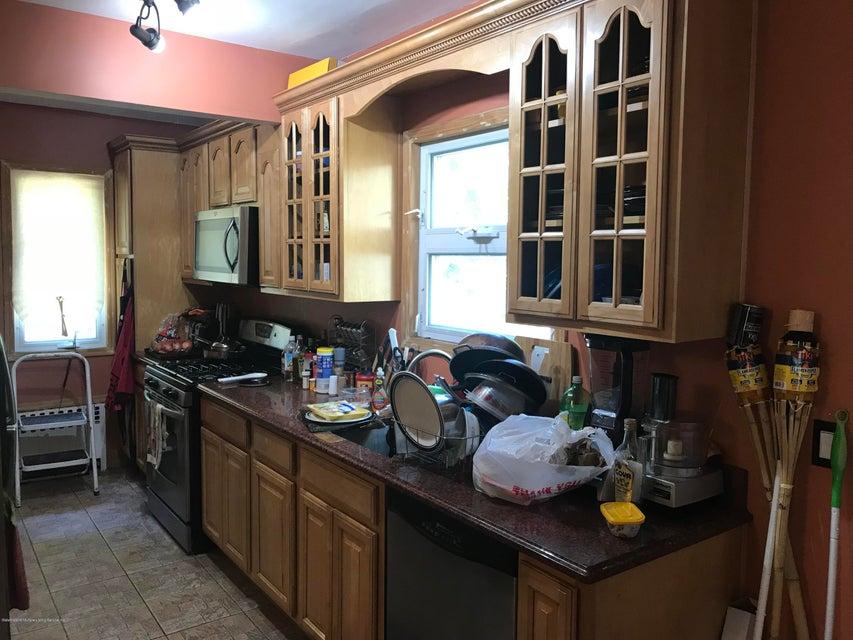 Single Family - Detached 319 Hillside Avenue  Staten Island, NY 10304, MLS-1120109-5