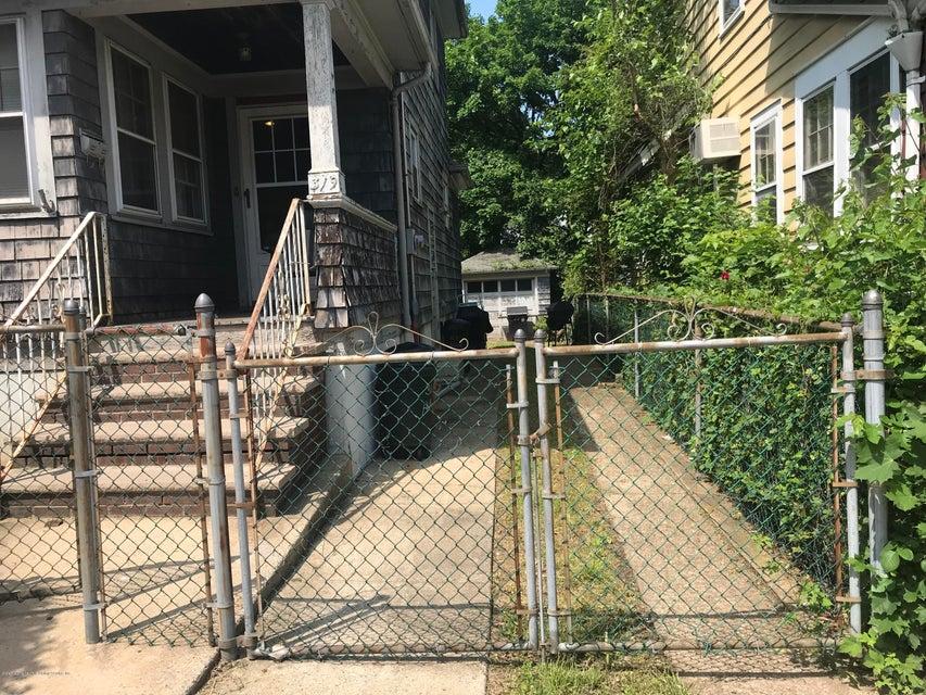 Single Family - Detached 319 Hillside Avenue  Staten Island, NY 10304, MLS-1120109-10